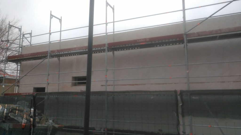 Alquiler y montaje de andamios perimetrales en Pezuela de Torres